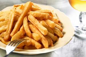 Nadmiar tłuszczu sprzyja cukrzycy [© stevem - Fotolia.com]