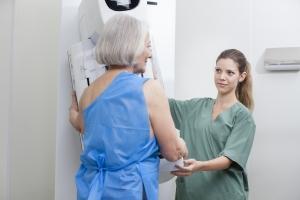 Nadwaga i brak ruchu zwiększają ryzyko raka piersi [Fot. Dan Kosmayer - Fotolia.com]
