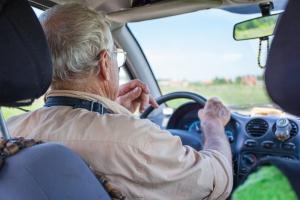 Najmniej za ubezpieczenie OC płacą kierowcy po 60. roku życia [Fot. Sergey - Fotolia.com]