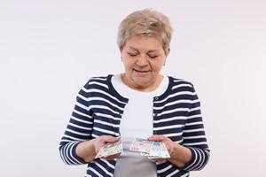 Najni�sza emerytura w 2017 r. wzro�nie do tysi�ca z�otych [©  ratmaner - Fotolia.com]