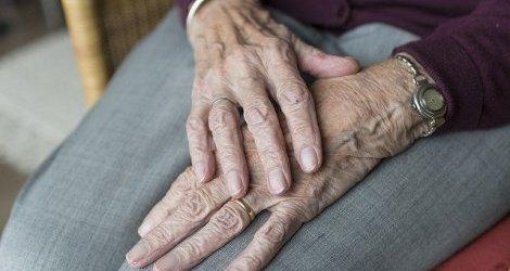 Najstarsi seniorzy - grupa najbardziej wykluczona społecznie?