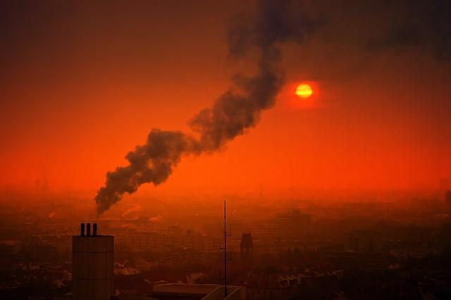 Nawet niskie zanieczyszczenie powietrza grozi chorobami serca i płuc [fot. Pixabay]