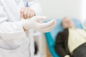 """Nie daj się rakowi prostaty. Zrób sobie """"przegląd"""" [Fot. romanets_v - Fotolia.com]"""