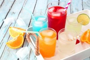 Nie tylko słodycze niszczą zęby. Uważaj na cukier ukryty w napojach [Fot. Jenifoto - Fotolia.com]