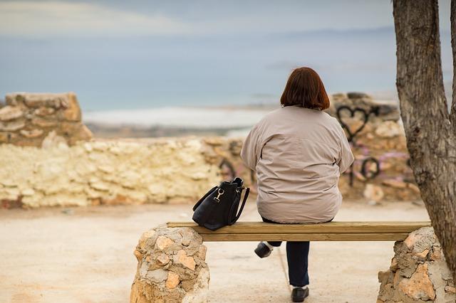Niepokój a menopauza - lęk towarzyszy seniorkom [fot. Arek Socha from Pixabay]