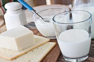Nietolerancja laktozy? Mleko może pozostać w jadłospisie [©  PhotoSG - Fotolia.com]