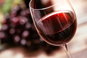 Niewielkie dawki alkoholu zmniejszają ryzyko cukrzycy [Fot. stokkete - Fotolia.com]