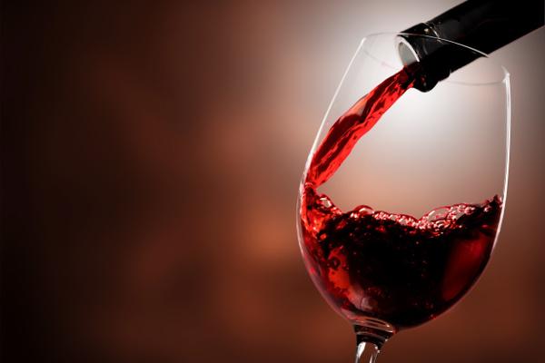 Niewielkie ilości wina poprawiają iloraz inteligencji? [Fot. BillionPhotos.com - Fotolia.com]