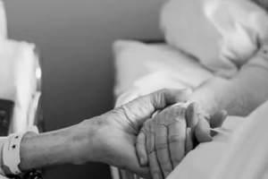Niezwykła historia: przeżyli razem 62 lata, zmarli w odstępie 4 godzin trzymając się ręce  [fot. 23ABCnews]