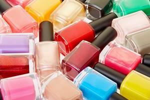 Niezwykłe zastosowania lakieru do paznokci. 8 przydatnych podpowiedzi [© andersphoto - Fotolia.com]