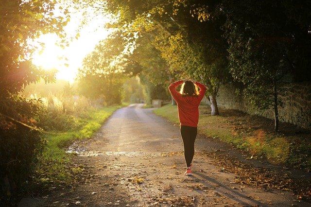Nigdy nie jest za późno na ćwiczenia. W każdym wieku przynoszą korzyść [fot. Pexels from Pixabay]