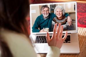 Nowe technologie a życie rodzinne [© Suprijono Suharjoto - Fotolia.com]
