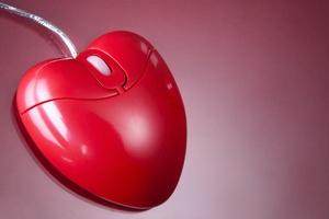 Nowe technologie u�atwiaj� zawieranie romantycznych znajomo�ci [© pressmaster - Fotolia.com]
