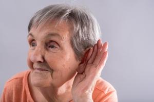 Nowoczesna metoda leczenia osób z problemami słuchu dostępna już w Polsce [Fot. thodonal - Fotolia.com]