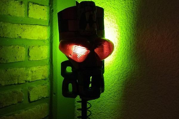 Nowy sposób na migreny - zielone światło? [fot. Emphyrio z Pixabay]