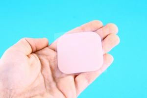 Nowy spos�b przyjmowania leku przeciwb�lowego: plaster zamiast tabletki [© Magdalena �urawska - Fotolia.com]