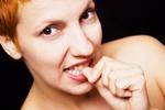 Obgryzanie paznokci - jak walczyć z nawykiem [© Igor Dutina - Fotolia.com]