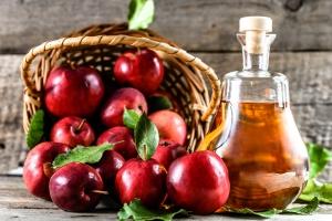 Ocet jabłkowy pomocny na zgagę [Fot. alicja neumiler - Fotolia.com]