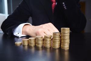 Od dziś banki, SKOK-i i ubezpieczyciele płacą dodatkowy podatek [© fox17 - Fotolia.com]