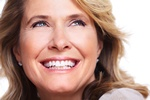 Odmłodzenie zębów poprawia rysy twarzy [© Kurhan - Fotolia.com]