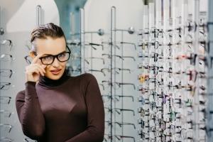 """Okulary """"zerówki"""" - szkodliwe dla oka? [Fot. Vadim - Fotolia.com]"""