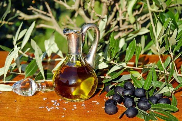 Oliwa z oliwek a zaburzenia poznawcze - stosuj ją, by zachować zdrowie umysłu [fot. Couleur z Pixabay]