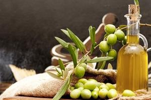 Oliwa z oliwek - wielostronne wsparcie [© pieropoma - Fotolia.com]