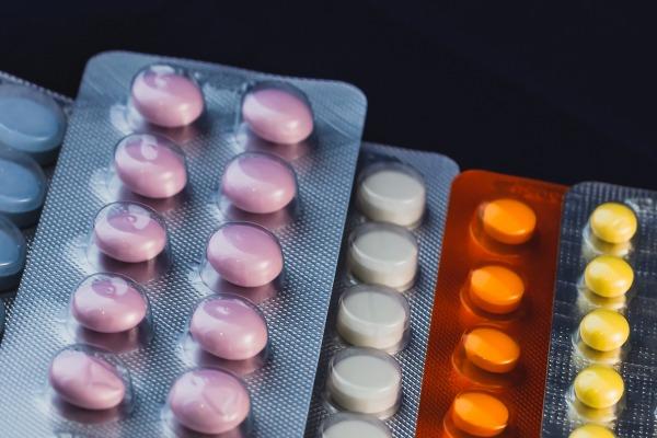 Opakowania leków, które pomagają zmniejszyć ryzyko pomyłki [Fot. Igor Ushakov - Fotolia.com]