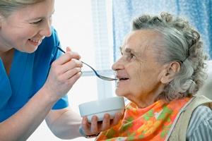 Opieka nad osobą starszą nadpobudliwą nerwowo [©  Alexander Raths - Fotolia.com]
