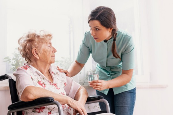 Opieka nad seniorem. Bardzo trudny temat [Fot. Photographee.eu - Fotolia.com]