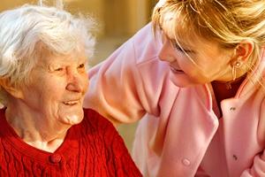 Opieka nad starszymi i schorowanymi - trudne zajęcie, ale pozwala żyć dłużej! [© gilles lougassi - Fotolia.com]