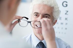 Optyk. Tylko specjalista zadba o wzrok [© stokkete - Fotolia.com]