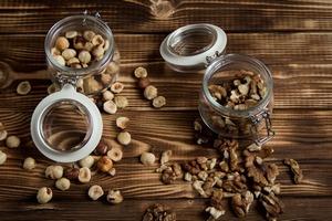 Orzechy zapobiegną nawrotowi raka jelita? [fot. LyubovKardakova/Pixabay, PD]