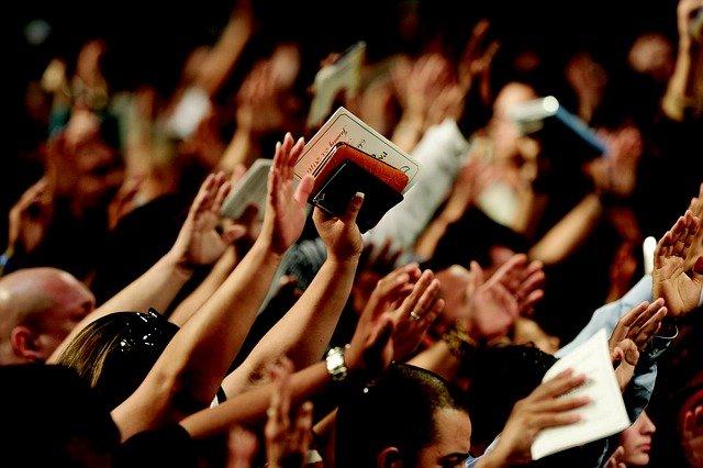 Osoby religijne lepiej przystosowane psychicznie? [fot.  J F from Pixabay]