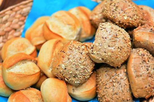 Osoby z wysokim cholesterolem powinny unikać węglowodanów, a nie tłuszczu nasyconego [fot. congerdesign from Pixabay]