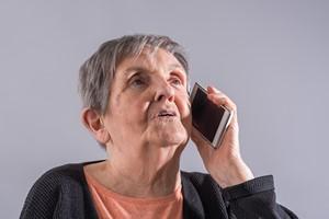Oszuści zagrażają bezpieczeństwu Seniorów [© thodonal - Fotolia.com]