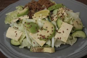 Oto, co jeść, by powstrzymać starzenie się [Sałatka, © vaaseenaa - Fotolia.com]