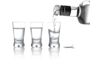 Oto dlaczego alkohol zwiększa ryzyko raka [Fot. T.Wejkszo - Fotolia.com]