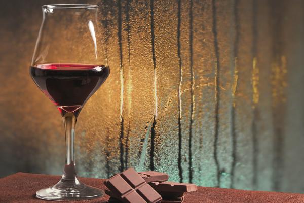 Oto, jak wino i czekolada mogą przeciwdziałać starzeniu się [Fot. patronestaff - Fotolia.com]