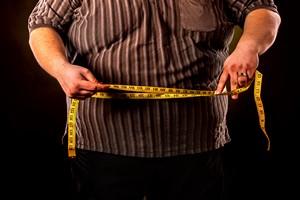 Otyłość brzuszna to dużo większe ryzyko wcześniejszej śmierci [© Gennadiy Poznyakov - Fotolia.com]