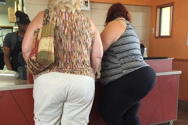 Otyłość w średnim wieku to wyższe zagrożenie demencją na starość [fot. Tobyotter, CC BY 2.0]