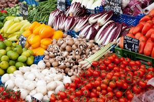 Owoce i warzywa jemy w postaci naturalnej [© thongsee - Fotolia.com]