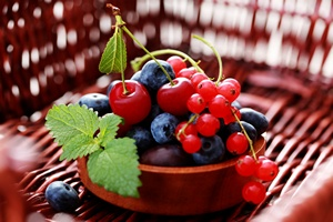 Owoce jagodowe - zdrowie w środku lata [© matka_Wariatka - Fotolia.com]