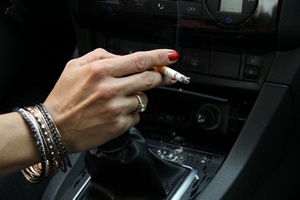 Palenie papierosów w samochodzie szczególnie groźne [© cupakabra - Fotolia.com]