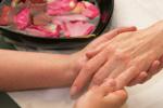 Paznokcie w wieku dojrzałym [© Ruslan Olinchuk - Fotolia.com]