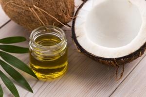 Pięć powodów, dla których warto sięgnąć po olej kokosowy [© joanna wnuk - Fotolia.com]