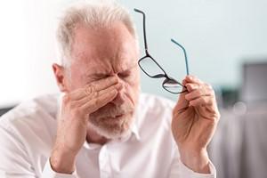 Pieką i szczypią? Jak sobie radzić z wraÅźliwością oczu i jak odzyskać komfort widzenia [© thodonal - Fotolia.com]
