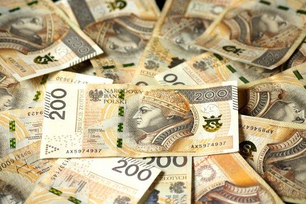 Pieniądze dają szczęście, ale tylko, jeśli wydajesz je na innych [fot. Alicja_ z Pixabay]