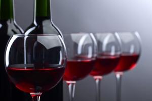 Pij wino - unikniesz cukrzycy [Fot. Igor Normann - Fotolia.com]