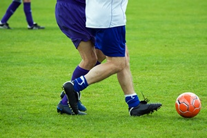 Piłka nożna nie tylko w związku z Euro 2016 - seniorzy też powinni wybiegać na boisko [© U. Gernhoefer - Fotolia.com]